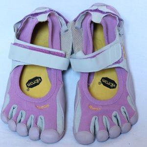 brand new 94507 c72d6 Vibram Five Fingers Sprint Purple Yoga 40   US 9
